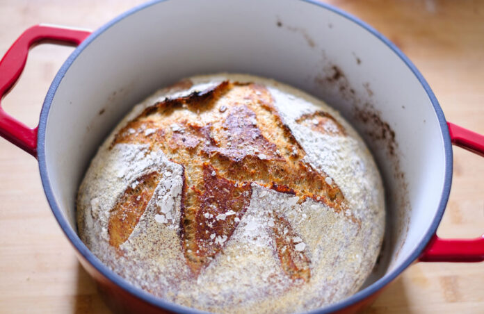 How to bake bread in dutch oven