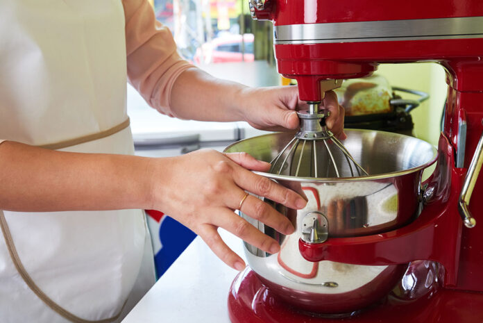 How to knead dough in a mixer